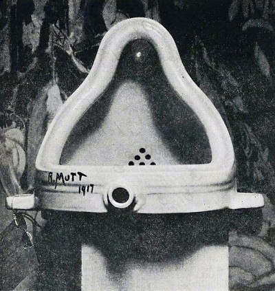 Duchamp Fountaine 400x423 Times Up