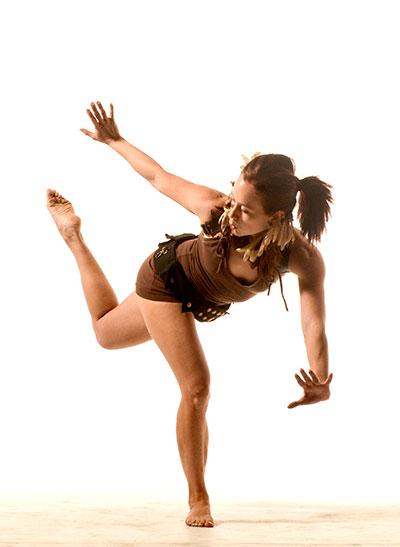 D70 5033 Tall Dancing