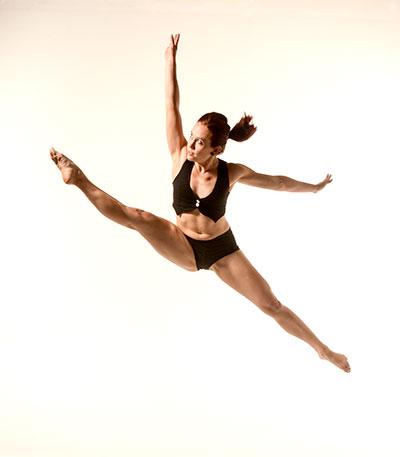 D70 5082 Tall Dancing