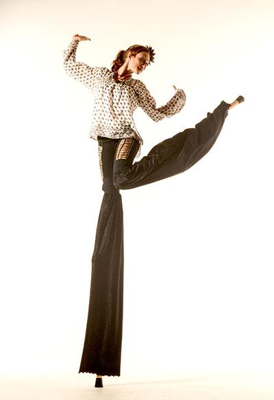 D70 5125 Tall Dancing
